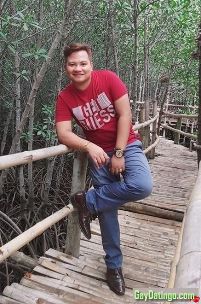 <p>One of the best photos of mine. Behind me were the Mangrove Trees!</p>